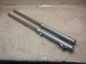KMX125(89') フロントフォーク左右 MX125A-0117