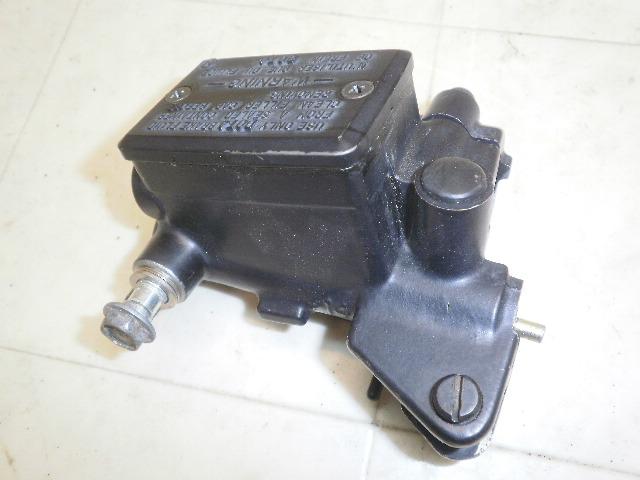 GPZ900R   クラッチマスターシリンダー ZX900A-0637