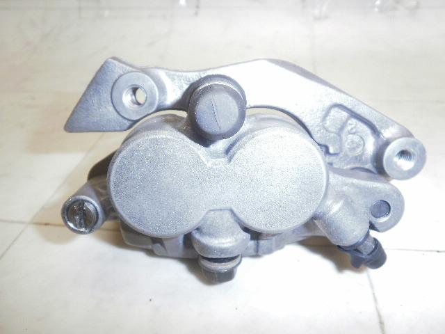 XR600 フロントブレーキキャリパー PE04-5601