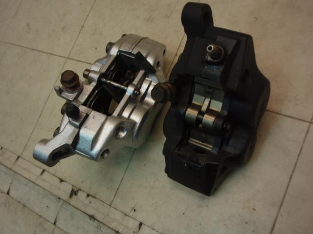 TZR250 フロントブレーキキャリパー左右 3MA-0044
