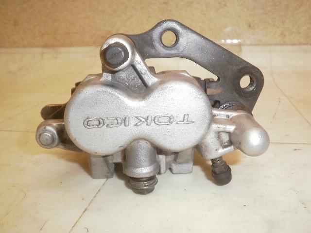 グラストラッカー250 フロントブレーキキャリパー NJ47A-1261