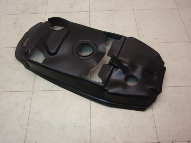 ベルーガ80 タンクフラップ 5G3-1072