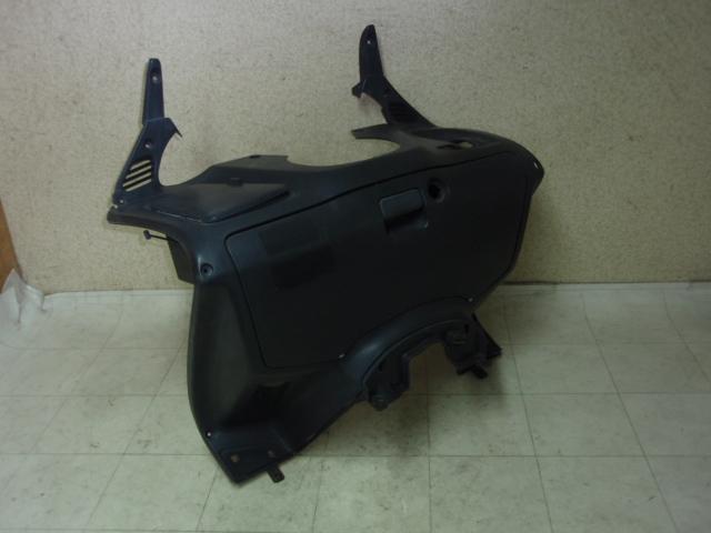 フォルツァ250 インナーカバー MF06-1102
