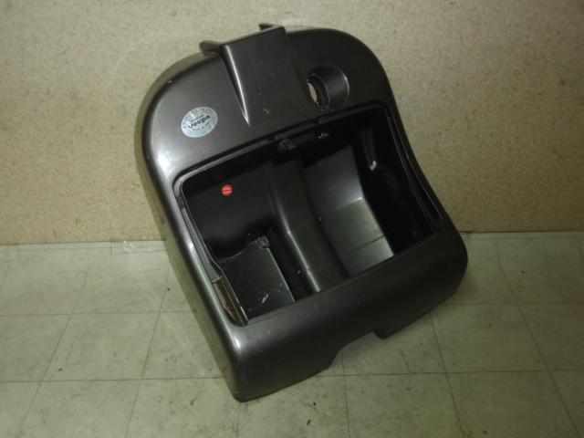 ベスパ50 インナーカバー V5P2T-0003