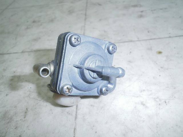 レッツ50/LET'S ガソリンコック CA1KA-1017