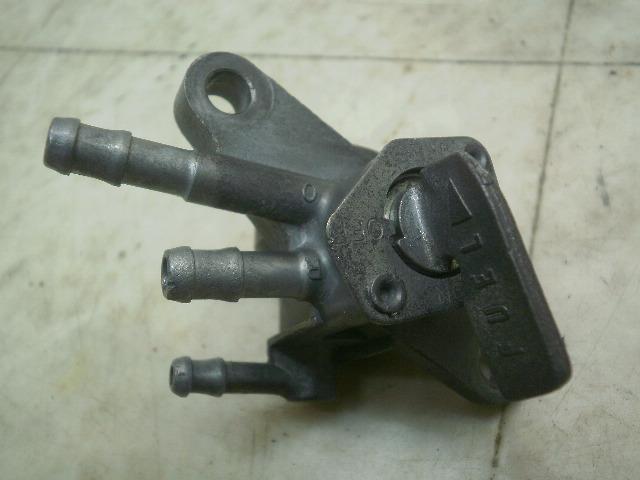 CRM50 ガソリンコック AD13-1000