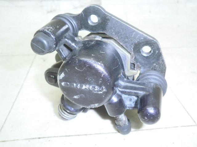 ベクスター125 フロントブレーキキャリパー CF42A-1124