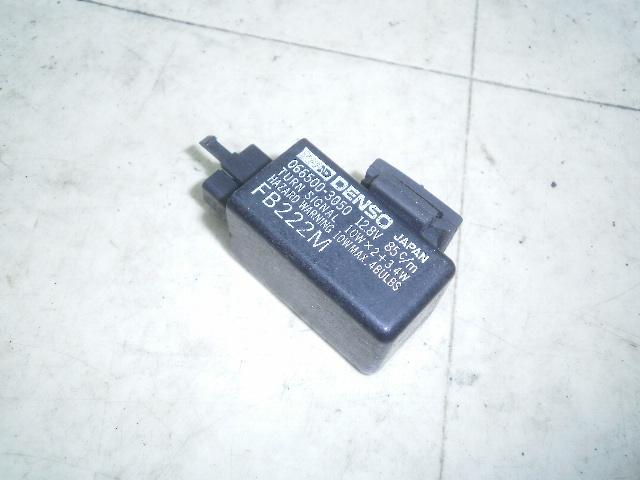 スティード600 ウインカーリレー PC21-1150