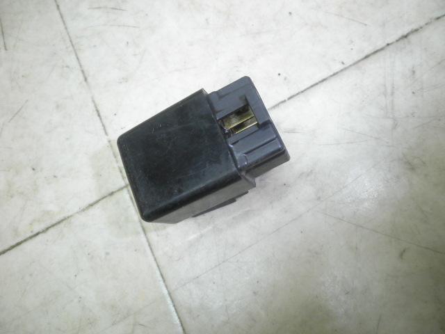 アドレスV50 コントロールリレー CA1FA-1121