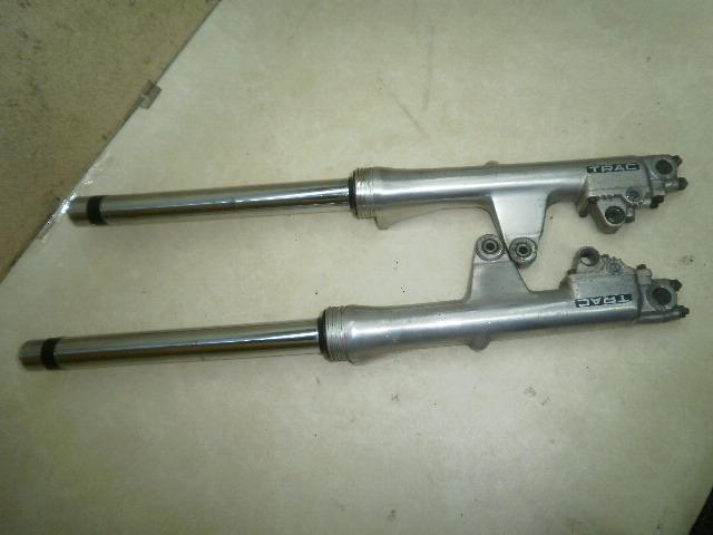 GL1200 フロントフォーク左右 1HFSC1423