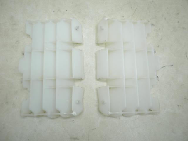 CRF150R(コンペ仕様) ラジエターグリル KE03-1000