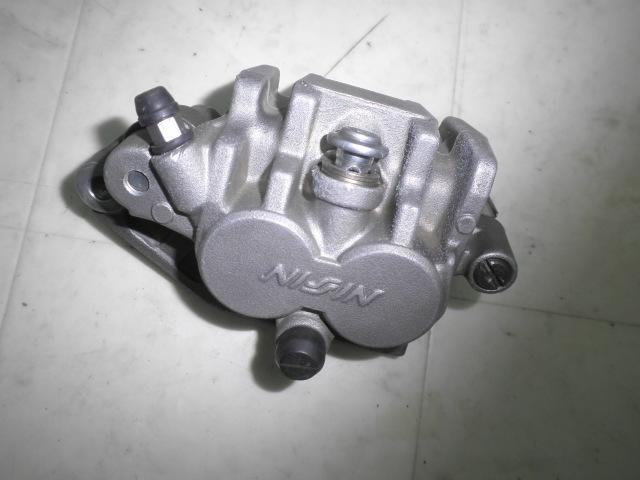 RMZ250F 06モデル フロントブレーキキャリパー JS1RJ41A-