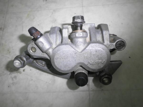 CR250R(コンペ仕様) フロントブレーキキャリパー ME03-1950