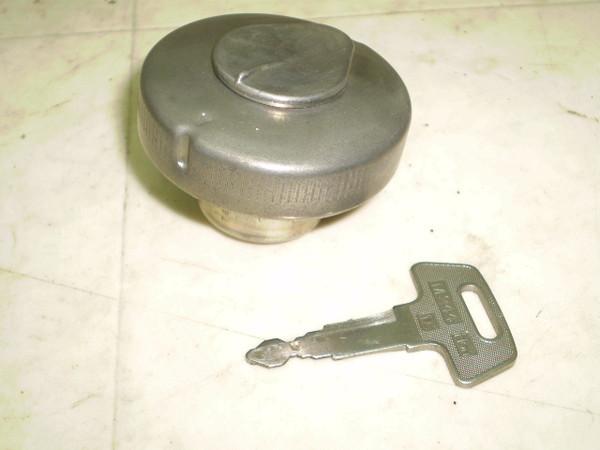 リトルカブ50(12V) タンクキャップ AA01-3043