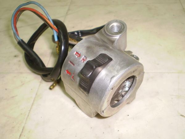 リトルカブ50(12V) ハンドルスイッチ右 AA01-3043