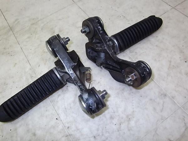 GSX400F フロントステップ左右 GK74A-1029