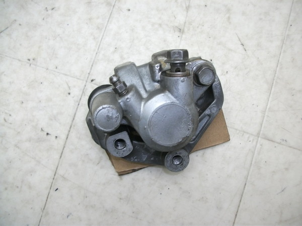 BW'S100/ビーウィズ フロントブレーキキャリパー 4VP-