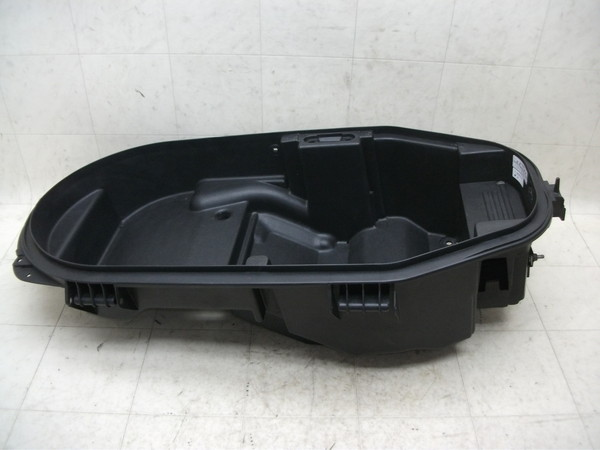 VOX50 メットインBOX SA31J-2405