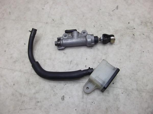 VTR1000F/  リアマスターシリンダー/リアブレーキマスター SC36-1001