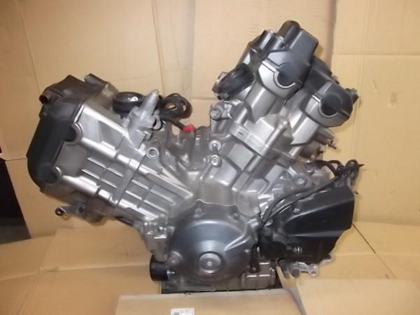 VTR1000F/  エンジン実動/水冷,4st/2気筒/圧縮右から�@:1.4mpa�A:1.5mpa/エンジンNo:SC36E-1001451 SC36-1001
