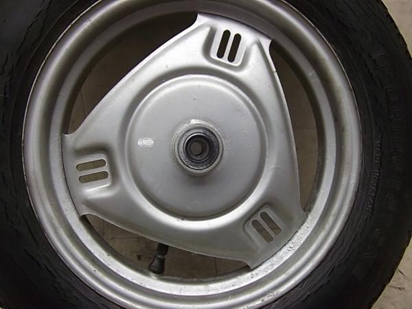 リード50スーパーDX/LEAD フロントホイール・タイヤ AF01-1361