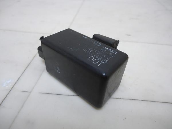 SRV250 ウインカーリレー 4DN-0379