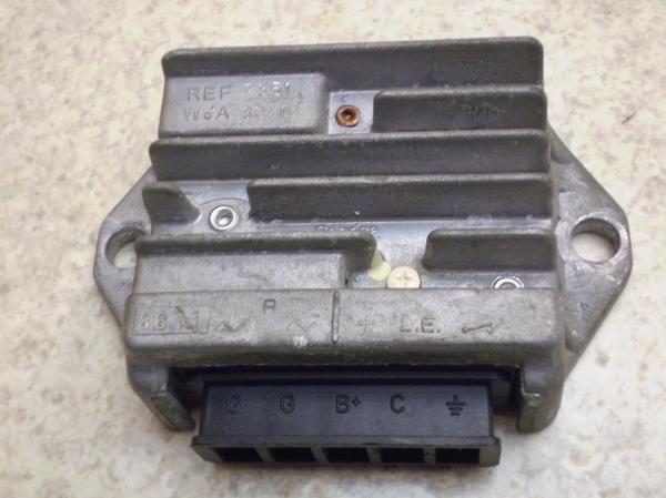 ベスパ200 レギュレター