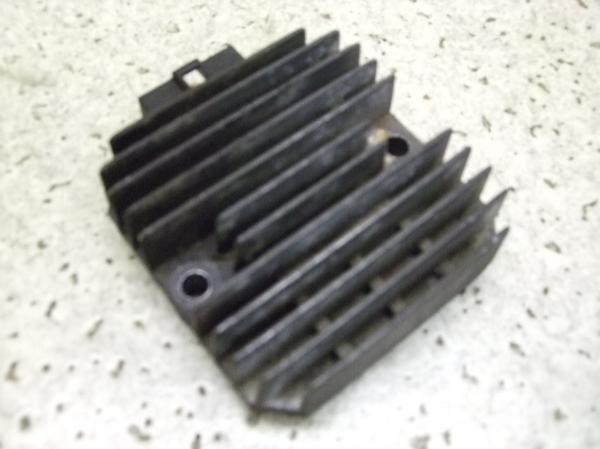ZXR250(12V)   レギュレター/レギュレーター ZX250A-0100