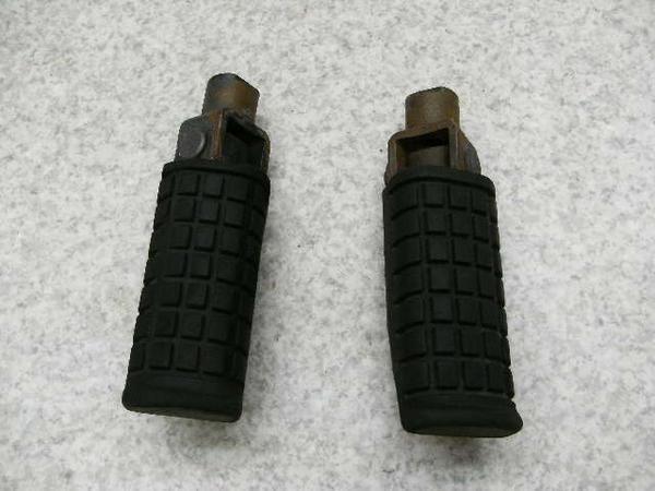 MVX250F   フロントステップ左右/メインステップ左右 MC09-1009