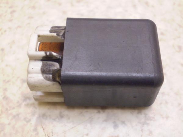 シグナス150GT(12V)   コントロールリレー 4DH-0011