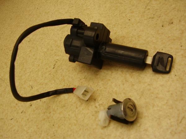 CB750   キーセット/メインキーシリンダー シートロック RC42-1200