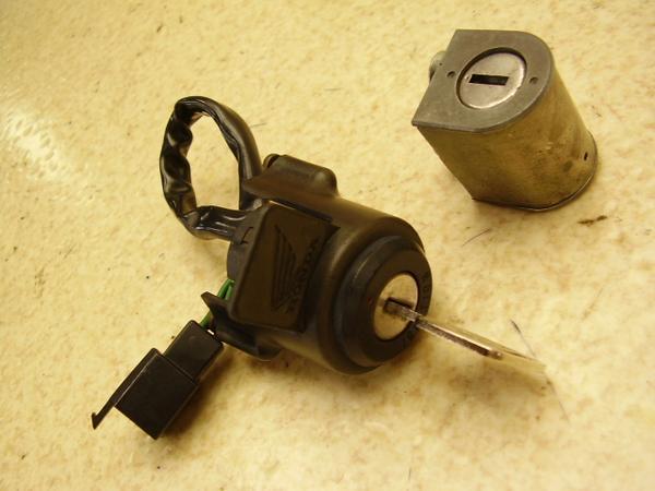 CD90S   キーセット メインキー ハンドルロック HA03-1505