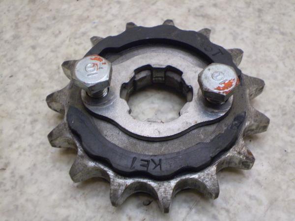 CD125Tベンリー(12V)   ドライブスプロケット CD125T