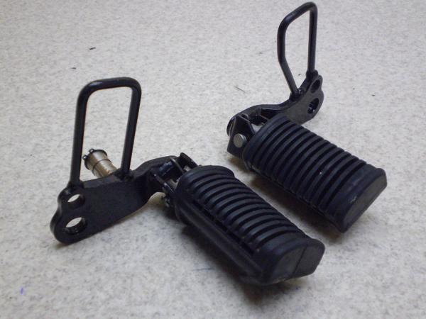 バンバン200(12V)   フロントステップステー左右/メインステップステー左右 NH41A-1010