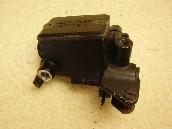GPX750R   クラッチマスターシリンダー ZX750F