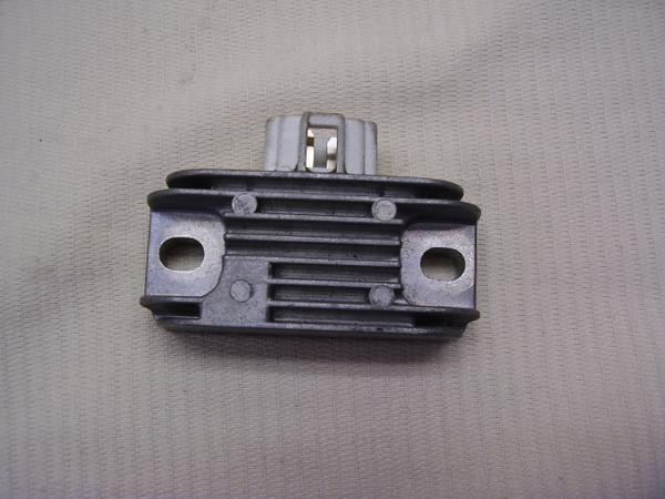 バーディー50 レギュレター BA12A-1381