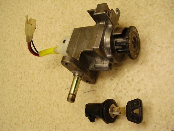 マジェスティ125   キーセット メインキーボックス、フロントボックスキー 5CA-1181