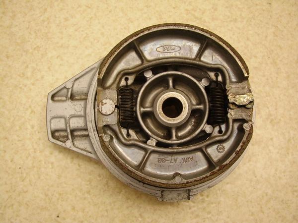 GB250クラブマン-1   リアブレーキドラム MC10-