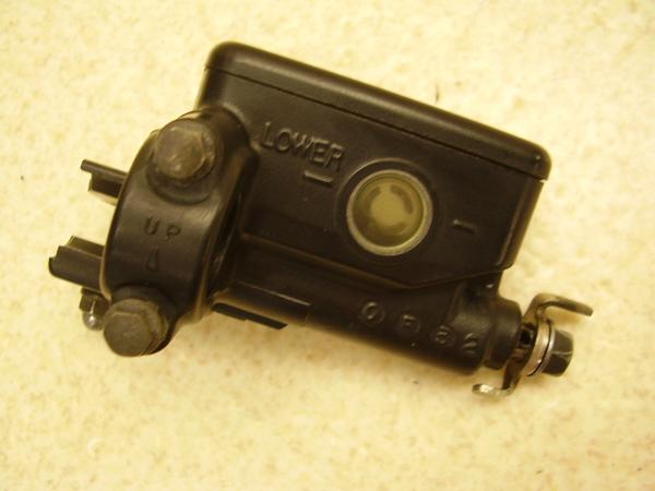 ST1100   クラッチマスターシリンダー SC26